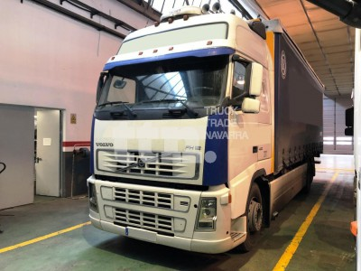 Volvo FH12-420 3 ejes.